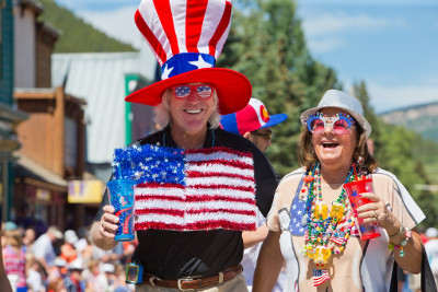 A couple on the 4th of July in Crested Butte, Colorado