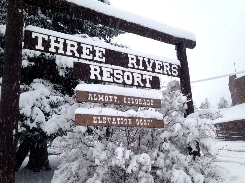 thanksgiving lodging deal almont colorado