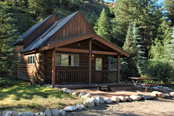 almont lodging