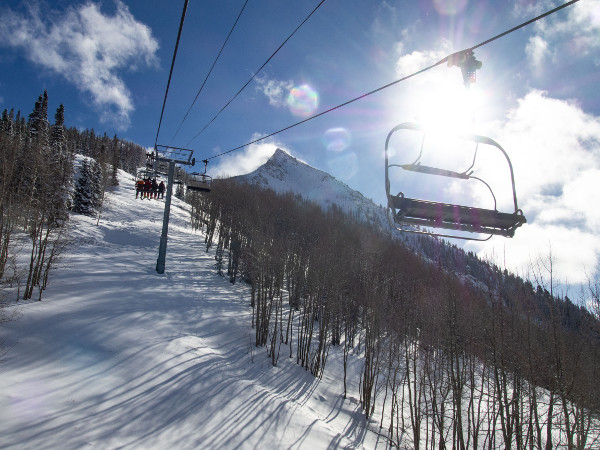 silver queen chairlift view crested butte