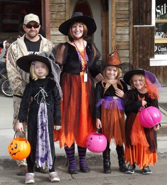 Exceptional Trick Or Treat, Gunnison, Main St.
